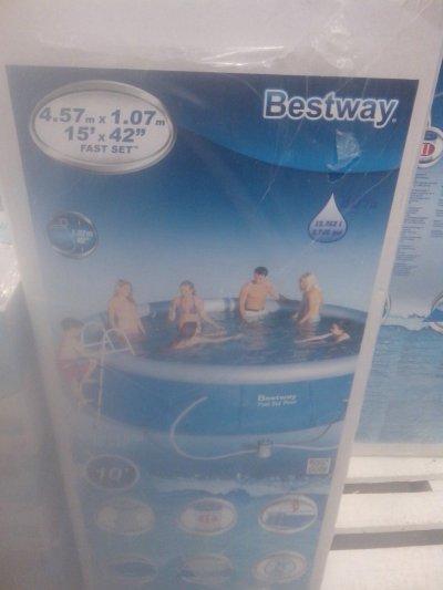 В Метро бассейн надувной по скидке