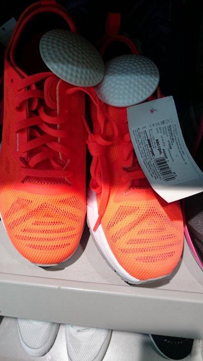 Супер цена на женские кроссовки Adidas