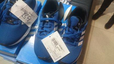 Детские кроссовки Adidas синего цвета по сниженной цене