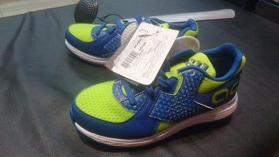 Скидка на детские кроссовки Adidas сине-салатного цвета