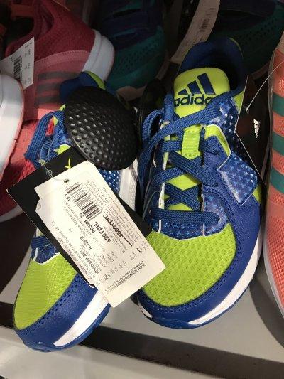 Скидка на детские кроссовки Adidas с сеткой