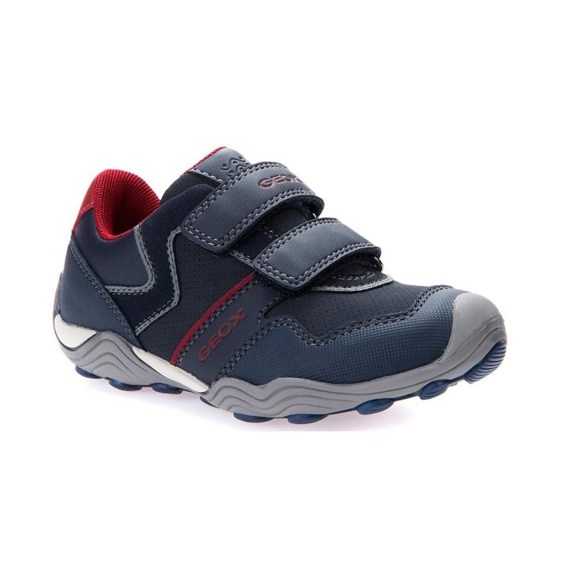 Скидка на детские кроссовки Geox