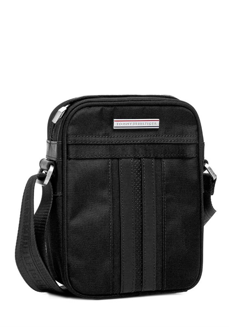 fd8d4d30fb49 Супер цена на сумку Tommy Hilfiger Jeremy Mini Reporter купить со ...