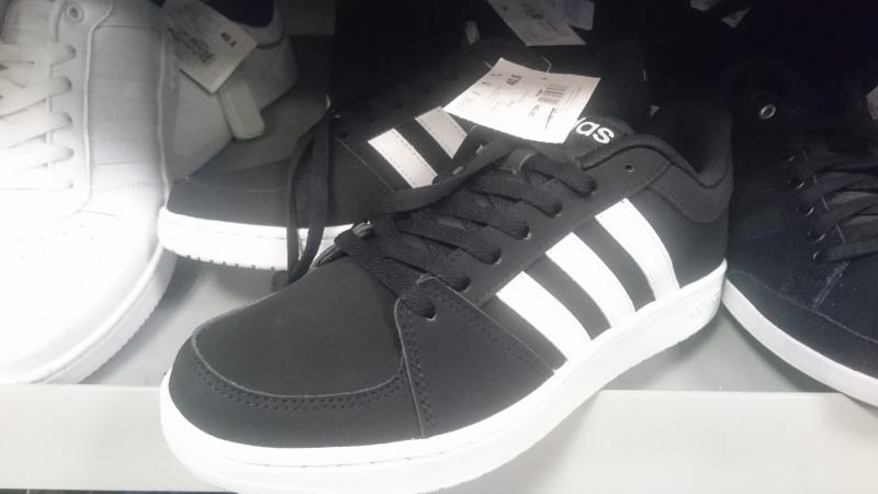 feb22b4ce426 Распродажа мужских кроссовок Adidas купить со скидкой   Adidas ...