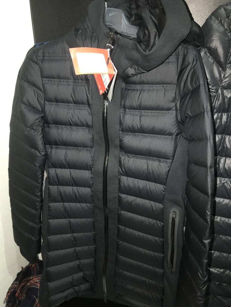 aa53faa7 Женская зимняя куртка Nike по акции купить со скидкой / NIKE Дисконт ...