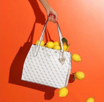 Женские сумки Guess со скидкой 50% 44fd684d7b2eb