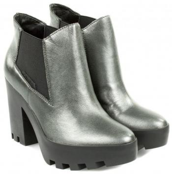 61cacc300dc9 Ботинки женские Calvin Klein Jeans 3Y29. 19% скидка