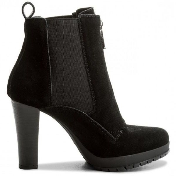 Ботинки женские Armani Jeans WOMAN LEATHER BOOT EF386